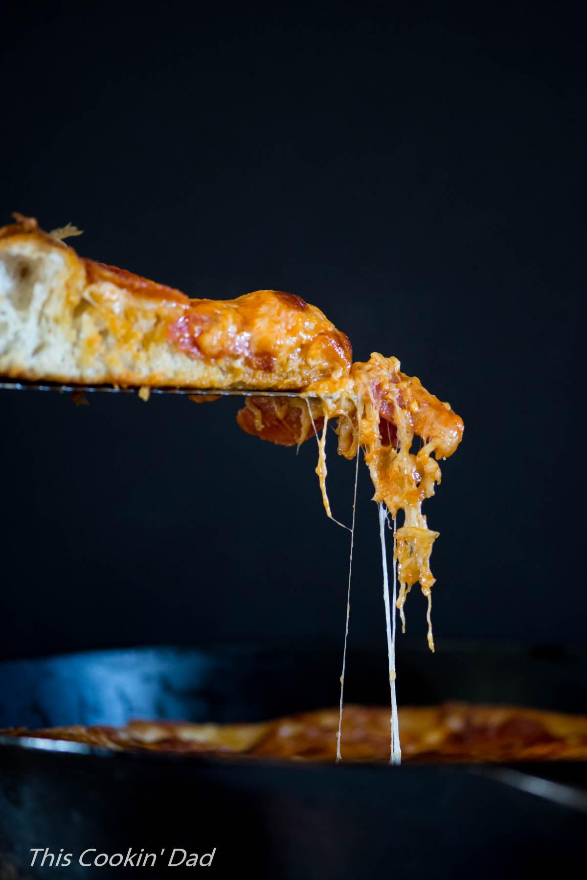 creamy-tomato-basil-pan-pizza-4