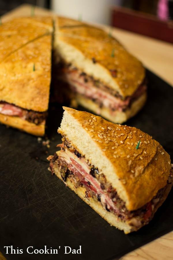 Muffuletta-Sandwich