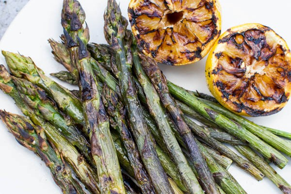 Grilled Asparagus with Charred Lemon