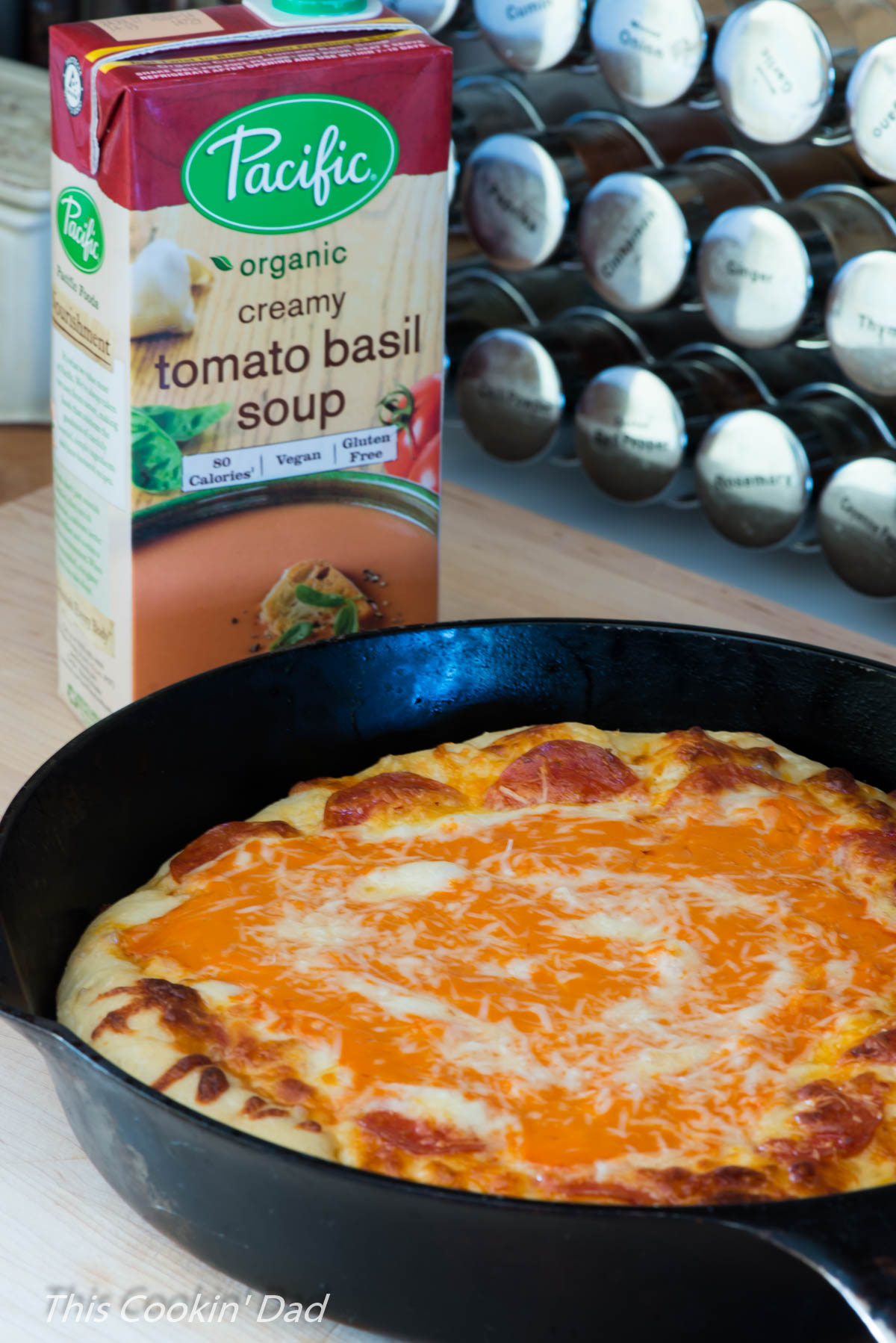 creamy-tomato-basil-pan-pizza-7