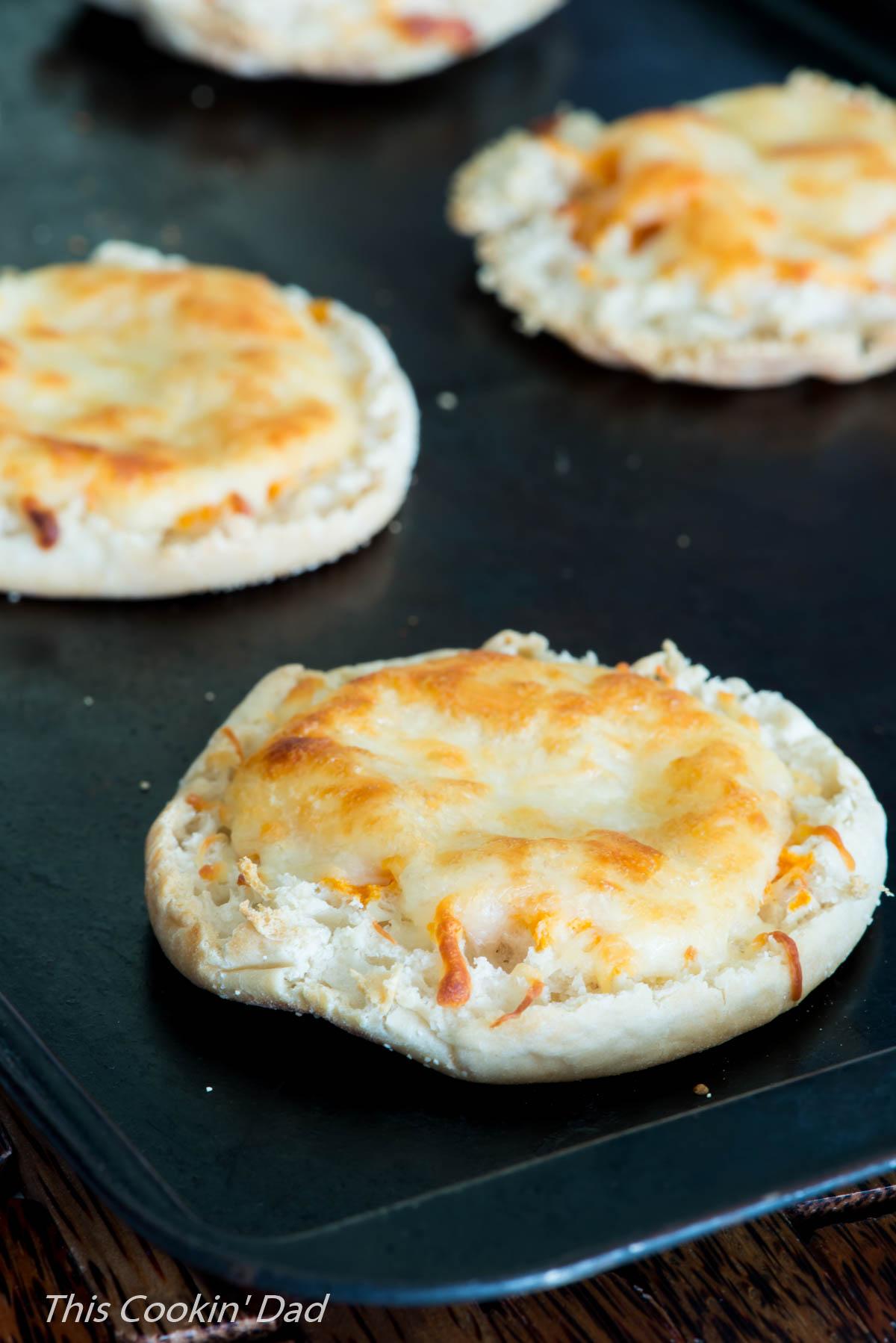 creamy-tomato-basil-pan-pizza-9